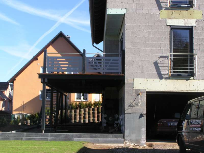 BAU.DE - Forum - Balkon und Terrasse - 11976: Balokn als Carport ...