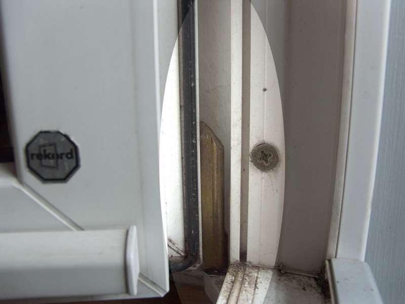 bau net forum fenster und au ent ren 14294 undichte balkont r reparieren. Black Bedroom Furniture Sets. Home Design Ideas
