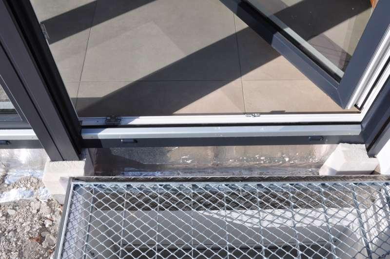 bau de forum fenster und au ent ren 14315 terrassent ren ohne fensterbank und ohne. Black Bedroom Furniture Sets. Home Design Ideas