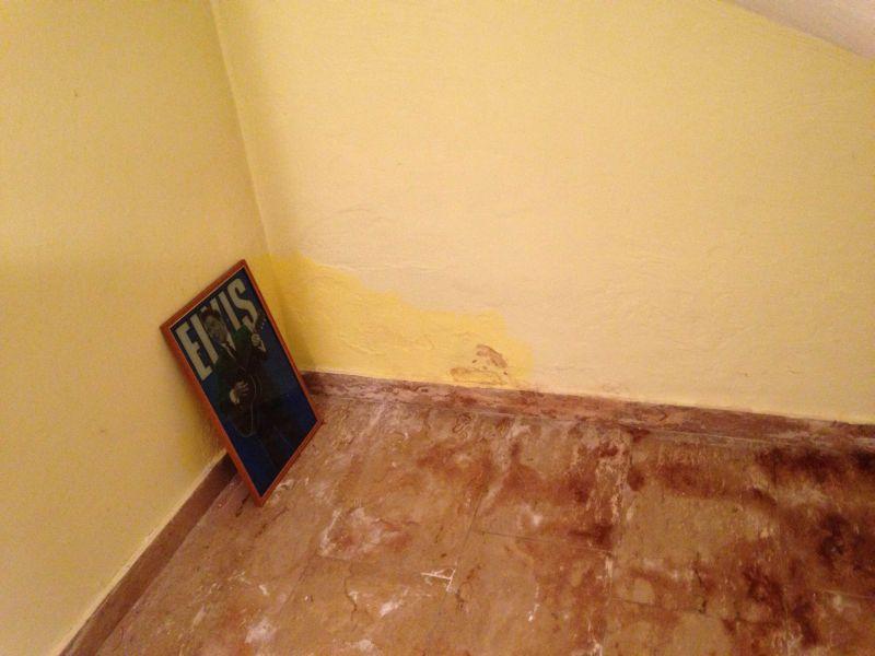 bau de forum keller 13248 schaden im keller. Black Bedroom Furniture Sets. Home Design Ideas