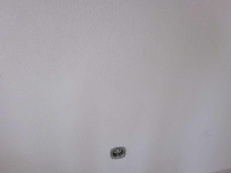 bau de forum neubau 15594 innenputz kalk risse bei den elektroleitungen. Black Bedroom Furniture Sets. Home Design Ideas