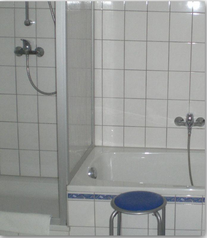 bau de forum sanit r bad dusche wc 12175 toleranz bei sanit reinbauten duschwanne. Black Bedroom Furniture Sets. Home Design Ideas