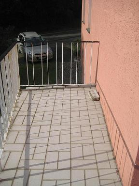 bau de forum modernisierung sanierung bausch den 15011 riss in balkon kragplatte. Black Bedroom Furniture Sets. Home Design Ideas