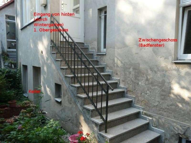 bau de forum modernisierung sanierung bausch den 15124 aussenwand an der treppe u. Black Bedroom Furniture Sets. Home Design Ideas