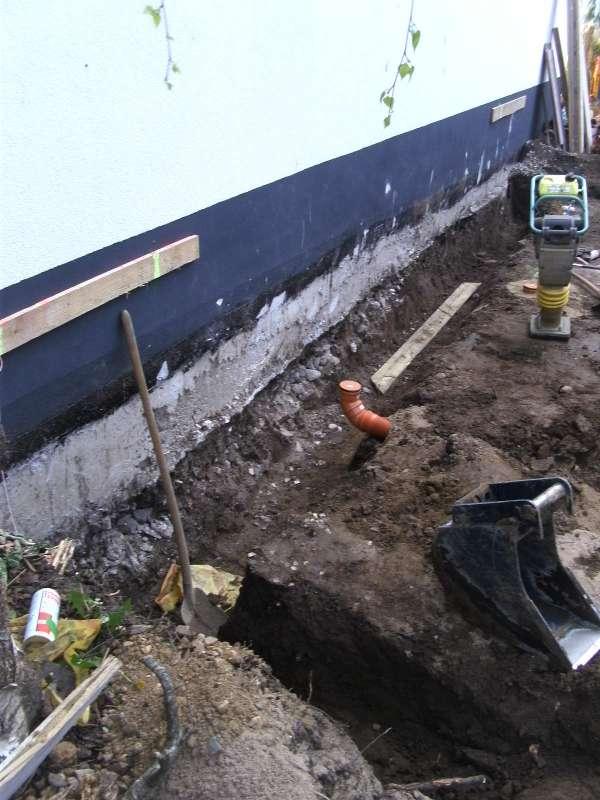 Bitumen streichen bodenplatte h user immobilien bau - Kellerwand streichen ...